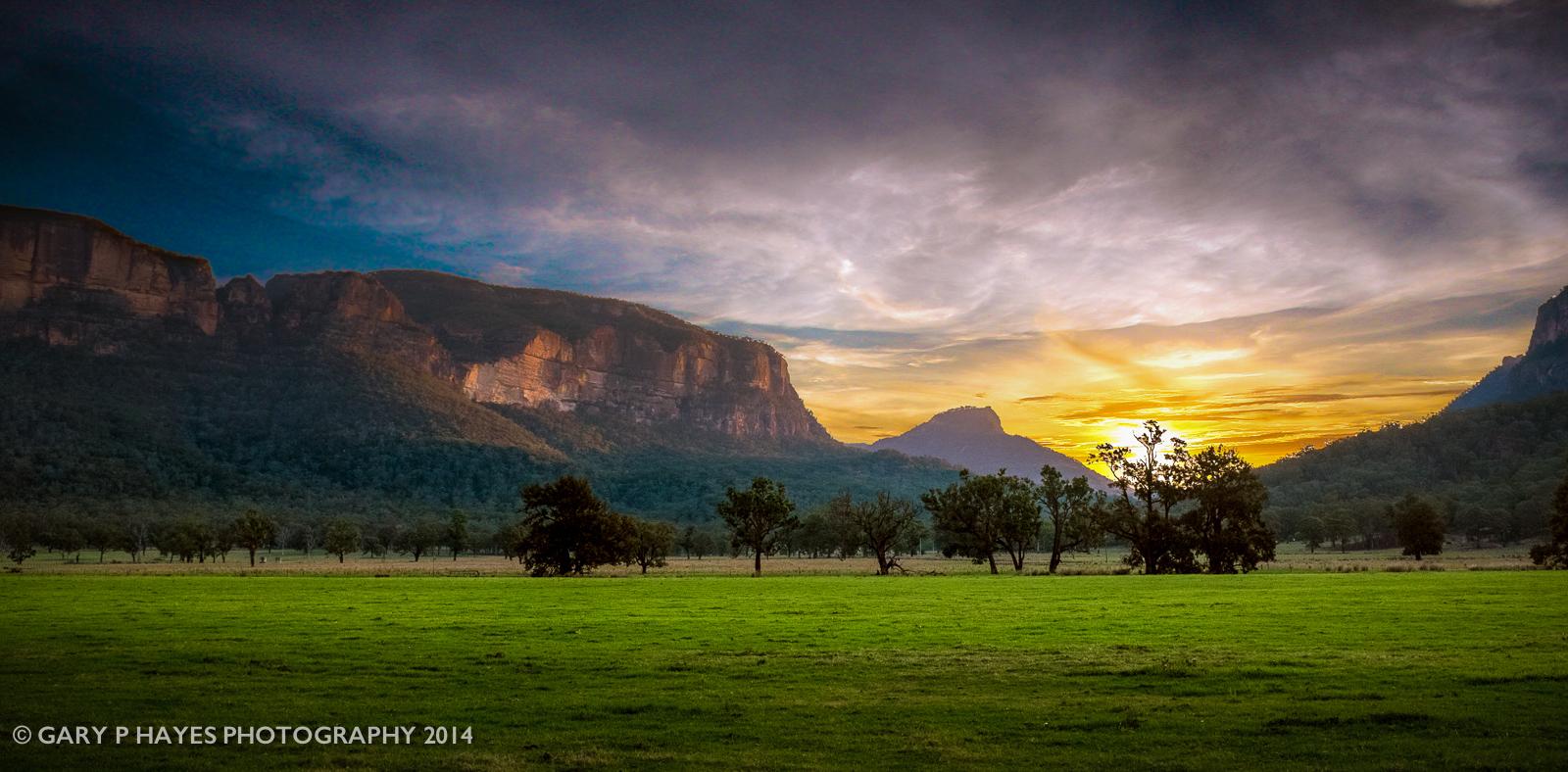 A Capertee Valley sunset near Glen Davis