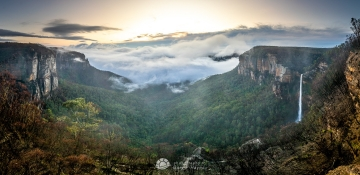 Govetts-Leap-Falls-Misty-Morning