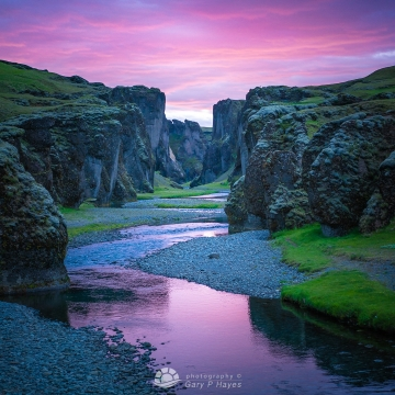 Iceland-Canyon-Midnight-Sunset-1080px
