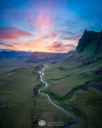 Leading-River-Sunrise-near-Vik